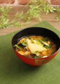 簡単!たけのこと小松菜のふわ卵味噌汁