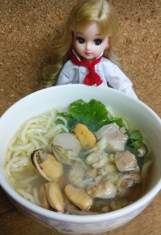 リカちゃん♡貝出汁オリーブ鶏油ラーメン