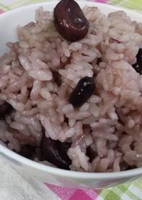 母が作る赤い空豆ご飯