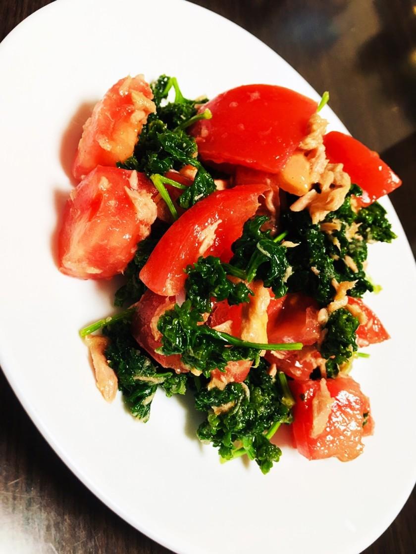 トマトとパセリのサラダ