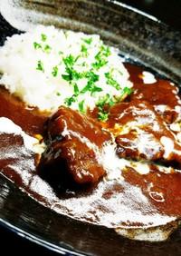 鶏白湯と牛の旨味が詰まったビーフカレー