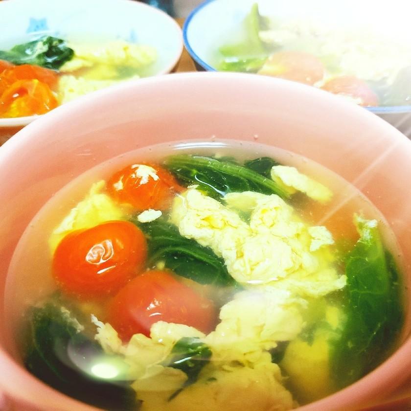 ふわふわ卵のナンプラースープ