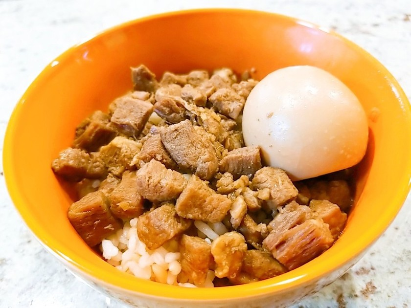 本場台湾風ホロホロ魯肉飯(ルーローハン)