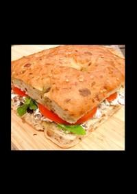 牛肉とフェタチーズのギリシャ風サンド