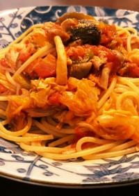 サバ缶と春キャベツのトマトパスタ