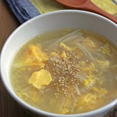 えのき、玉ねぎ、卵のスープ