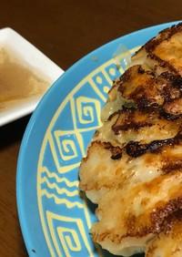 ヘルシー☆鶏ひき肉とパクチーの焼き餃子