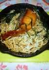 ニトスキで紅鮭と釜揚げシラスのアヒージョ