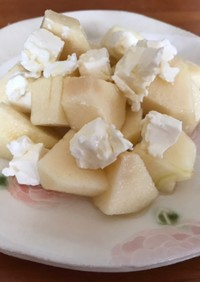 簡単デザート♡林檎クリームチーズ蜂蜜かけ