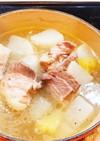 昆布茶で!豚バラブロックと大根の煮物