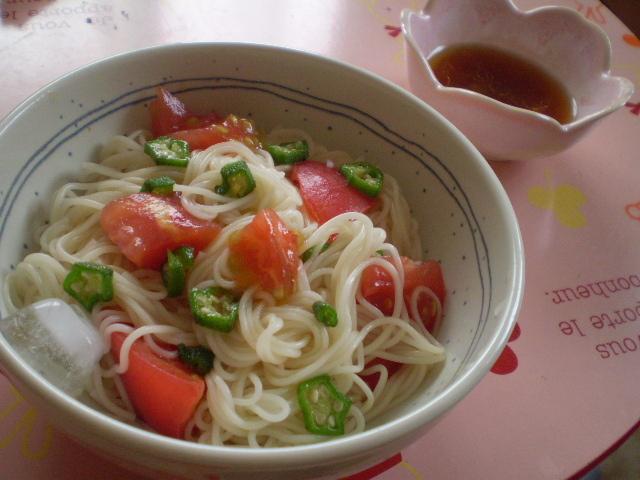 夏バテも怖くない!オクラとトマトの素麺
