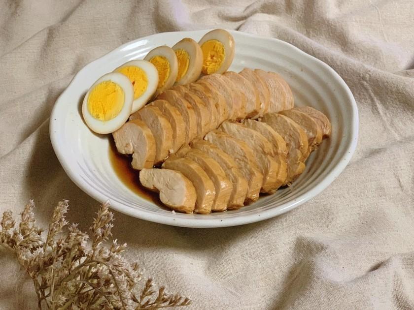簡単☆お鍋で煮込む♫鶏ムネ肉チャーシュー