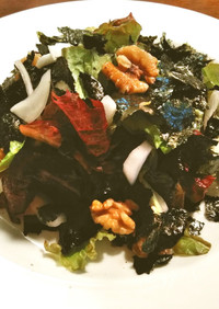 海苔と胡桃のサニーレタスサラダ