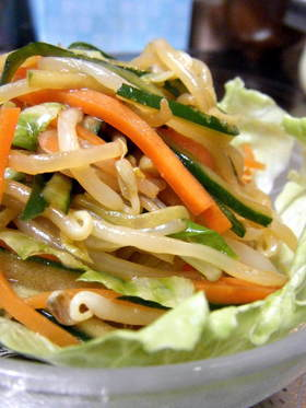 冷やし中華みたいな野菜サラダ