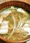 塩豚、もやし、新玉葱のお味噌汁
