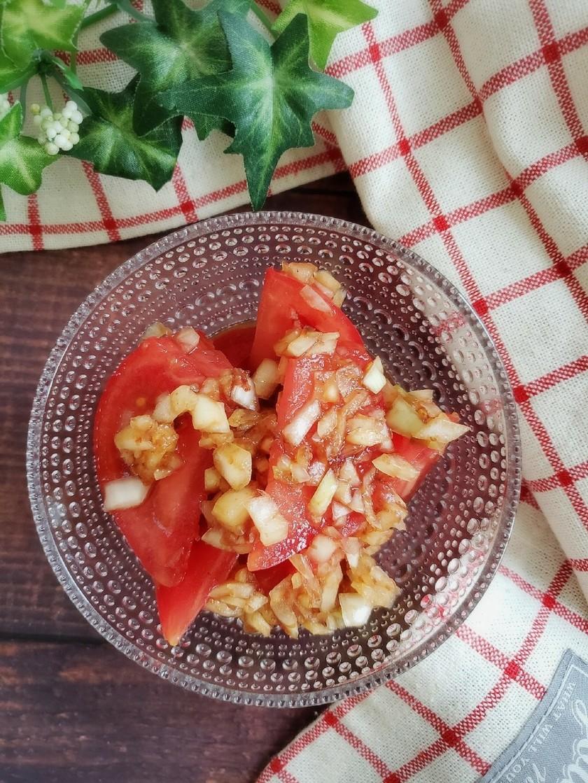 5分で!トマトのコクうまオニオンソース