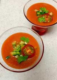 トマトジュースでガスパッチョ