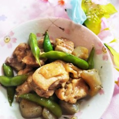 鶏肉と枝豆とゴボウのめんつゆ炒め
