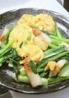 時短簡単小松菜と竹輪とふわふわ卵の炒め物