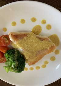 魚のソテー カレーソース