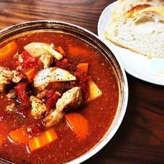 鶏もも肉とシーフードの簡単トマトシチュー