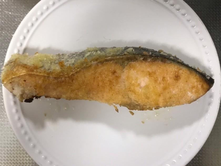 簡単!鮭のマヨパン粉焼き