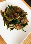 豚バラとニラと玉ねぎの黒コショウ炒め