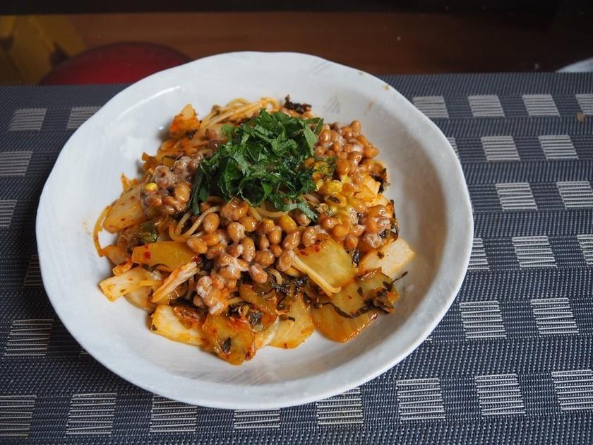 ズボラ飯。キムチ納豆高菜パスタ