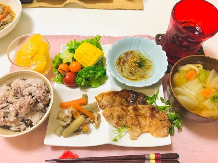 バランスご飯・豚ロースメインの献立の夕飯