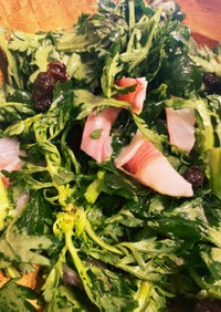 切るだけ5分で完成!春菊の海鮮サラダ