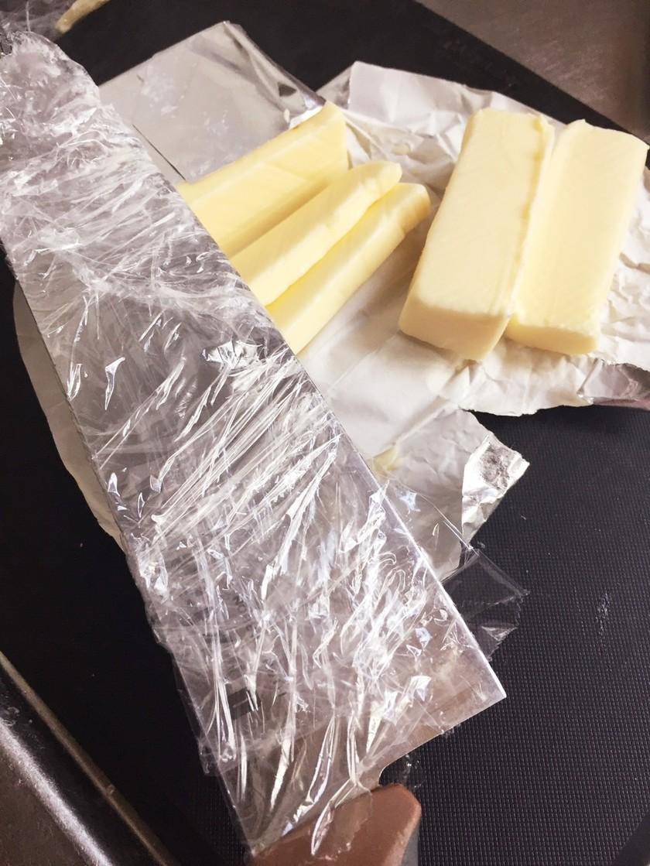 切りやすい・便利!なバターの切り方♪