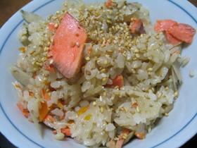 簡単☆鮭とごぼうの炊き込みご飯