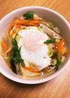 目玉焼き乗せキャベツ人参玉葱の味噌スープ