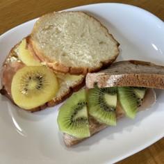 やみつき✨キウイの簡単サンドイッチ