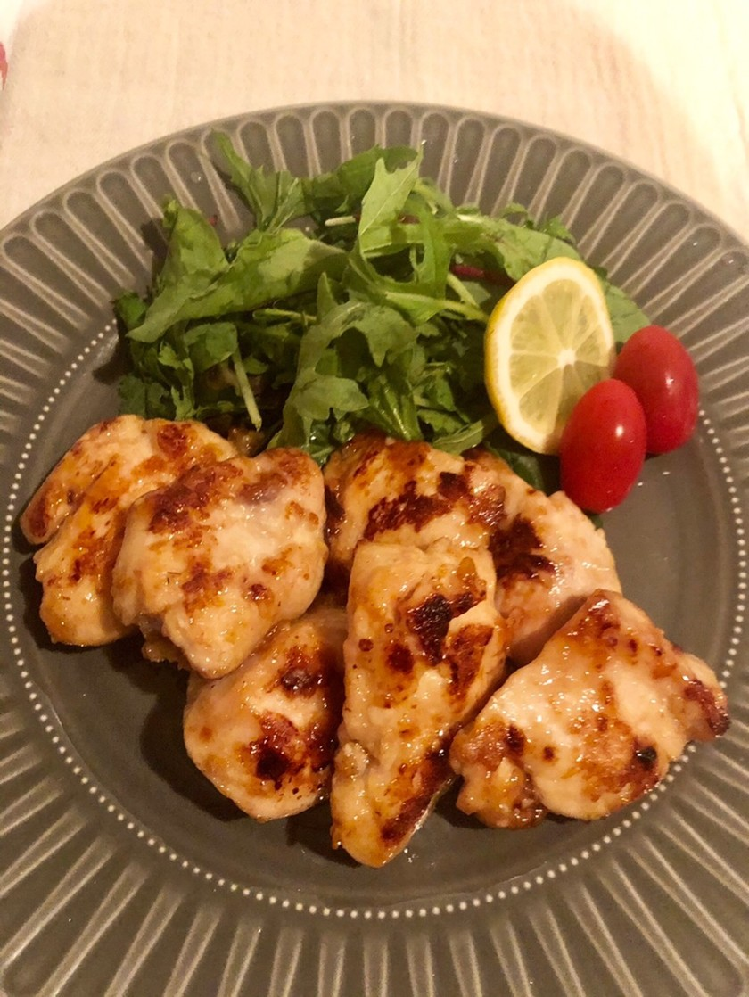 鶏胸肉のにんにく塩麹焼き