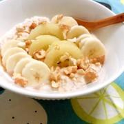 朝食に!キウイバナナホットオートミールの写真