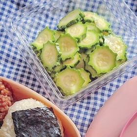 簡単♪ズッキーニの浅漬け風サラダ