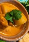 肉とジャガイモのレッドカレー煮込み