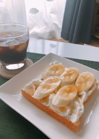 優雅な朝を迎えたかったバナナトースト