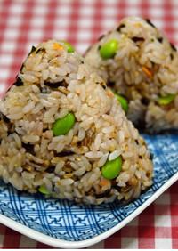 簡単★混ぜるだけ★16穀米の豆鮭おにぎり