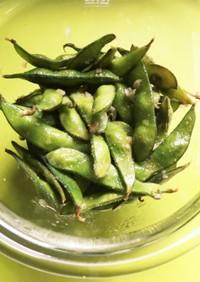 やみつき!枝豆のニンニクオリーブ油炒め