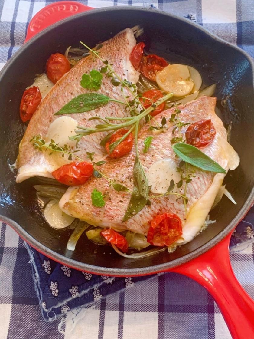 セミドライトマトと鯛のワイン煮