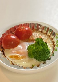朝食!卵とまぐろ煮缶のホイルカップ焼き