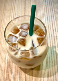 コーヒーアイスキューブでカフェ・オ・レ