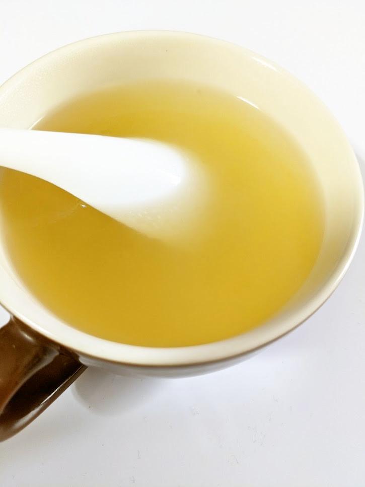 カップ1つで鶏ガラ生姜スープ♪