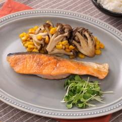 ご飯がすすむ!鮭のバタぽんムニエル