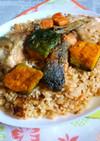 銀鮭のアラの焼き鮭炊き込みご飯カフェ丼2