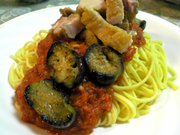 簡単!鶏とナスのトマトソーススパゲティの写真