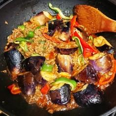 茄子とピーマンの辛味噌炒め☆豚挽き肉