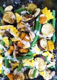 夏野菜とキノコのホットサラダ